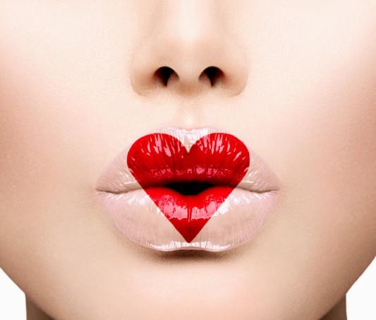 4 Ways to Keep Your Breath Kissable
