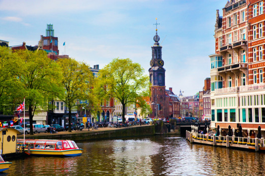 Travel-on-a-Budget-Amsterdam